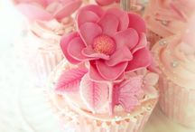 a l m i e s b a k e r y ♥ / head over heels in l♥ve with cake... / by Almie's Bakery