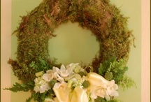 Wreaths! / How to Make Fabulous Wreaths! / by Libby Mondello