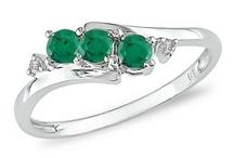 Favorite jewelry / by Dara Williams