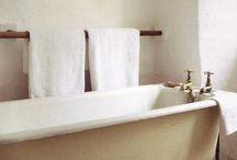 Bathrooms / by Carolina Dieguez