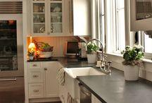 Kitchens / by Tanya Stathopulos