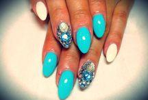 Favorite Nail Design / by Madaline Harvey