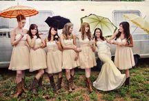wedding ideas / by Tarrah Bradshaw