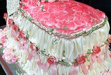 Decorated Cakes, Cupcakes & Cookies / by Faye Trotter