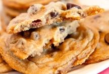 Cookies, bars, brownies / by Lisbeth Rawl Nachimson