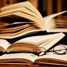 ● Reading Books ● / by Charlotte Irene Anni Pedersen