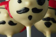Cake pops / by Kelly Huynh