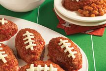 Hungry for Football / Tailgating Recipes for Game Day / by Hunt's Tomatoes