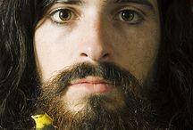 That gorge(ous), gorge(ous) beard / by Matthew Beth