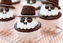 cupcakes..yummmmm / by Catherine Jordan