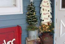 CHRISTMAS DECOR / by Bonnie Prater