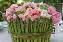 Fresh Floral Arrangement Ideas / by Nancy Roberts