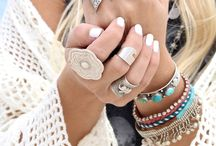 [Boho] Styles / A board for boho chic outfits and inspiration.  / by Studentrate Trends