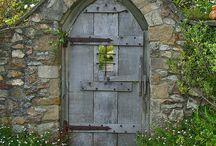 Doors/shutters / Exterior doors / by Tessa Groener