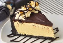 sweet tooth / Dessert & Candy Recipes / by Jessica Natasha