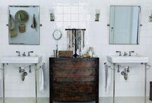 Bathroom / by Ana Carolina Ribeiro Santos