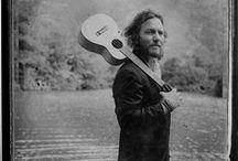 Eddie Vedder / by Pearl Jammer