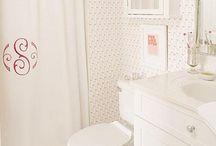 Bathrooms / by Elizabeth Hudson