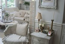 I still love Rustic and chic / by Melissa Slocum