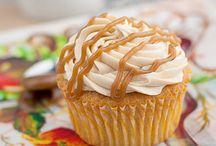 Cupcake loves / All things cupcake!  / by Gail Sneddon
