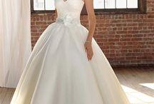 Wedding Ideas / by Danielle Doverspike