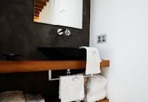 Bathrooms / by Cecília Széplaki