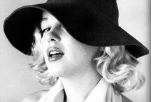 Oh / Girls, girls, girls... and Marilyn / by Ángel Luis Juste