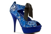 shoes i wish i could wear / by Lisa Brownstein