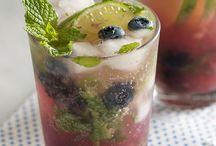 Drinks / by Kathryn Medina