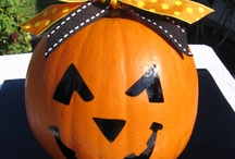 Halloween/Fall Decor / by Cami Ichiki