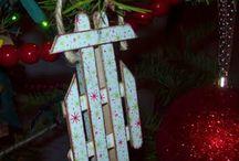 Christmas Crafts / by Maria Batarce