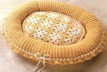 crochet dog bed / by Valerie Bowen
