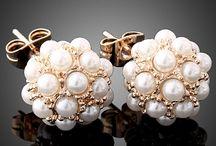 Cute earrings  / by Jessica Cordero