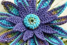 Crochet flowers / by lanasyovillos .