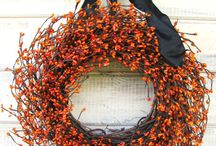 Wreaths / by Mariah Baye