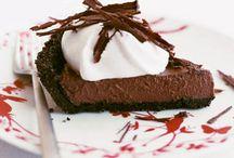 Delectable Desserts / by Kristen Burnett