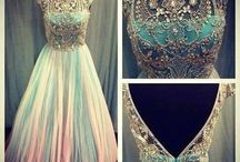 Dresses / by Mollie Faye