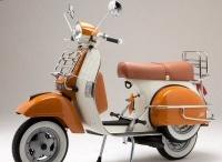 ✱ Rodar / El casco más buscado, la bicicleta de look retro, el coche customizado por la firma de moda, el patín sólo apto para ejecutivos… Creaciones que transportan nuestros sueños. / by loff.it