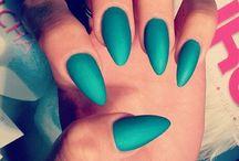 Nails <3 / by Danielle D'Ambrosio