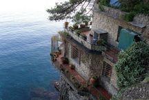 Places I'd Like To Visit / by Jesseca Leonard
