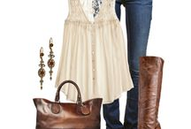 Outfits / by Linda Marulli