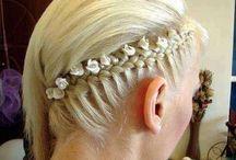 Interesting Hairdos / by Faina Goberstein