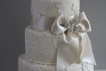 Wedding Cakes / by deBebians