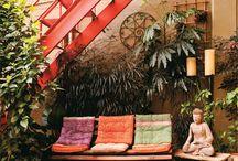 Embaixo da escada   Under the Stairs / by Portal Casa.com.br