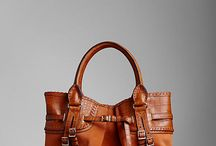 Handbags / by Chichi Gómez