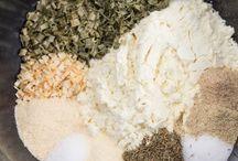 homemade seasonings / by Lisa King