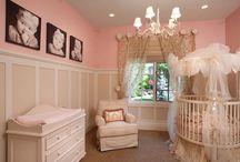 Baby girls nursery / by Monica Navarrette Gutierrez