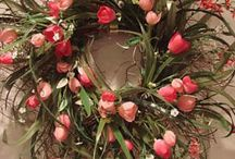 ~Wreaths/Swags~ / by Leslie Emory