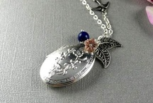 Floral Locket Ideas / by ThePlaidBarn