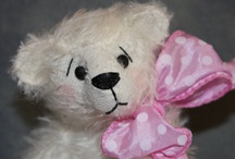 Teddy Bear Love #1 / Many artist bears along with traditional favorites will be posted on both boards. I love Teddy Bears :) / by Linda Imus